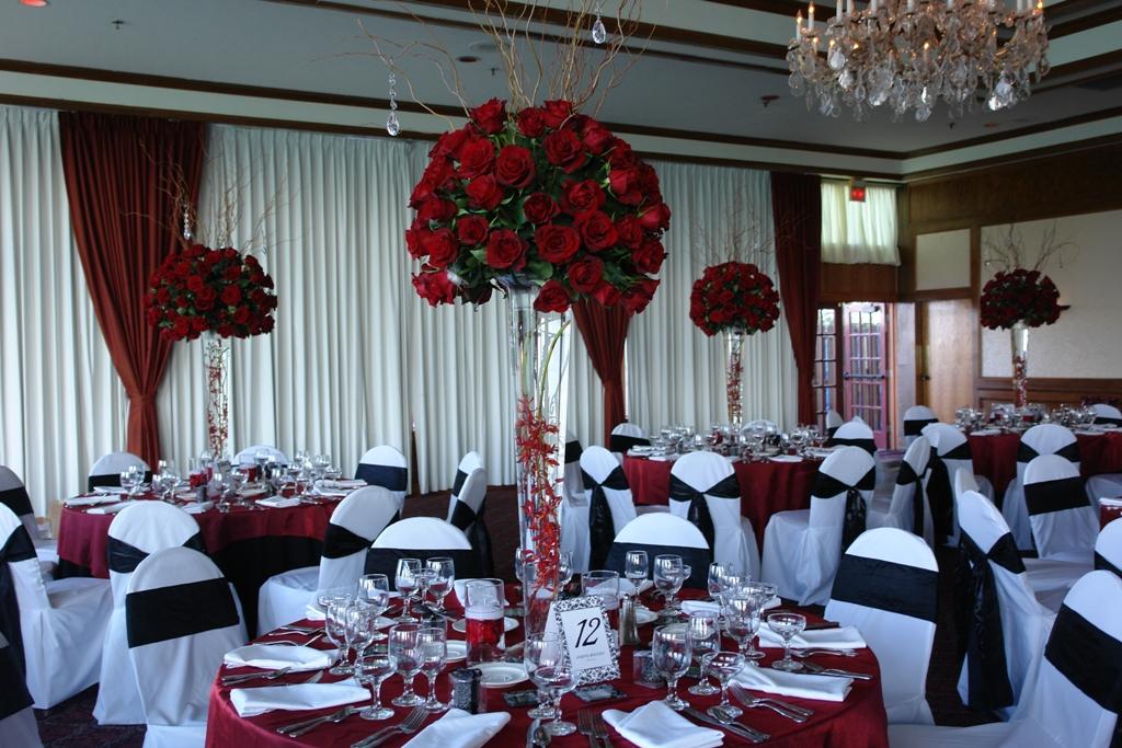 aranjament-elegant-din-trandafiri-rosii
