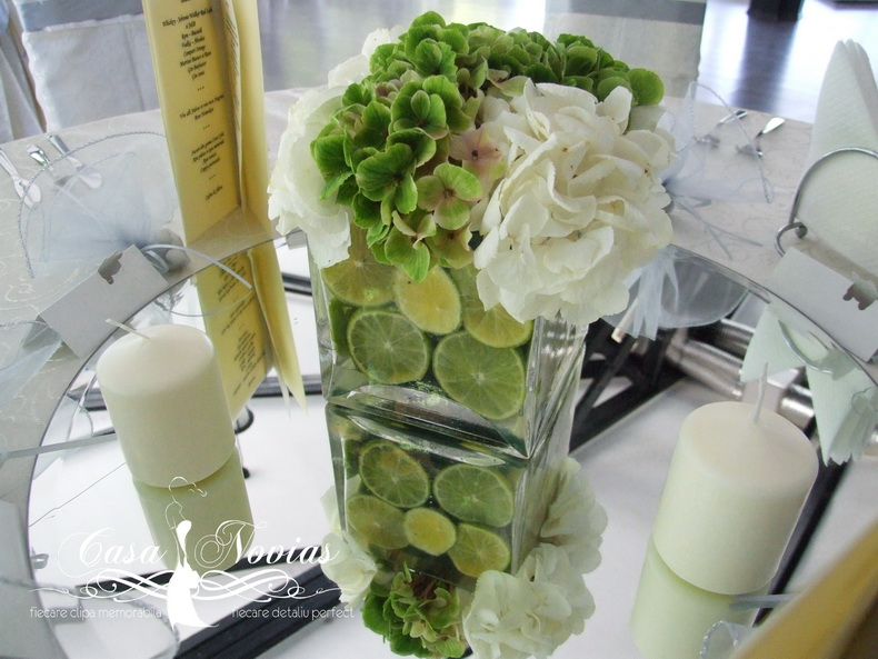 aranjament-floral-hortensie-alba-si-verde