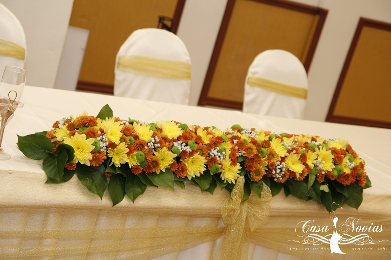 aranjament-floral-prezidiu-crizanteme