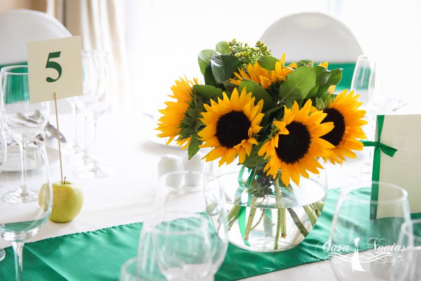 Nunta De Vara Cu Aranjamente Din Floarea Soarelui