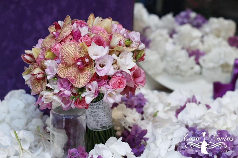 buchet-mireasa-frezii-orhidee-roz