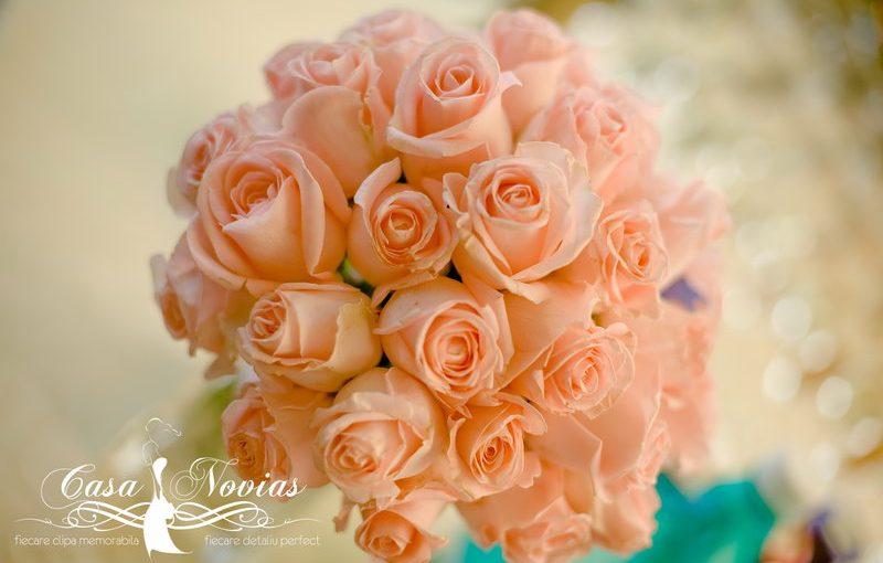 buchet-mireasa-trandafiri-roze