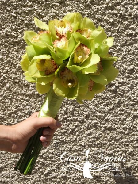 buchet-orhidee-cymbidium-verde