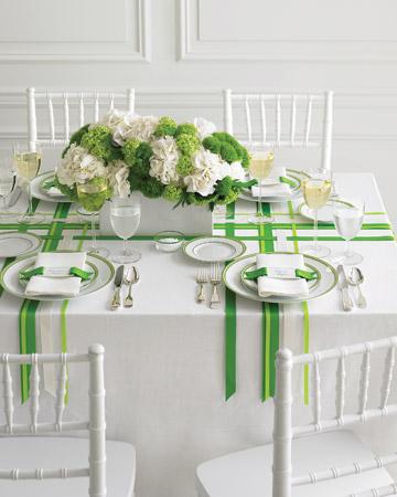 decor-cu-panglici-verzi-si-hortensii
