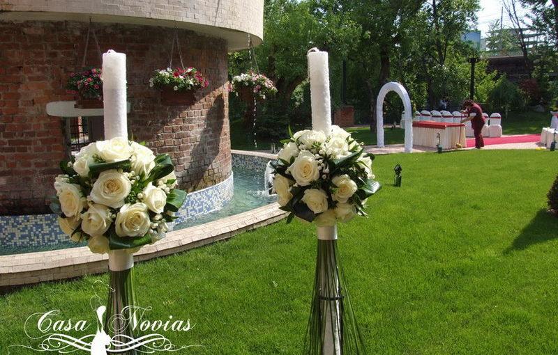 lumanari-cununie-trandafiri-albi-si-verdeata1