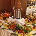 fantana-de-ciocolata-fructe-sculptate
